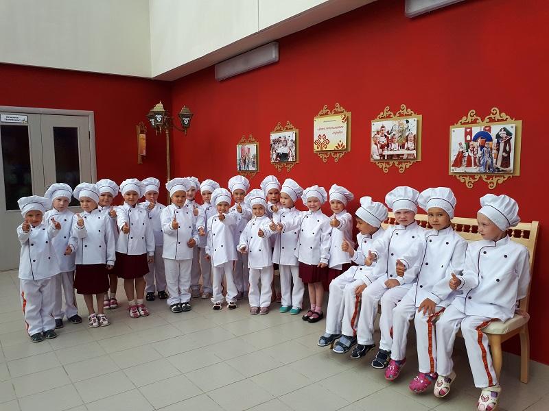 Воспитанники чебоксарского детсада приготовят 44-метровый бутерброд