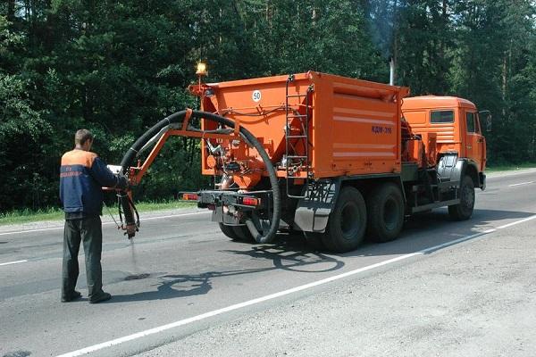 ВКанашском районе впроцессе ремонта дороги под колёсами КамАЗа умер рабочий