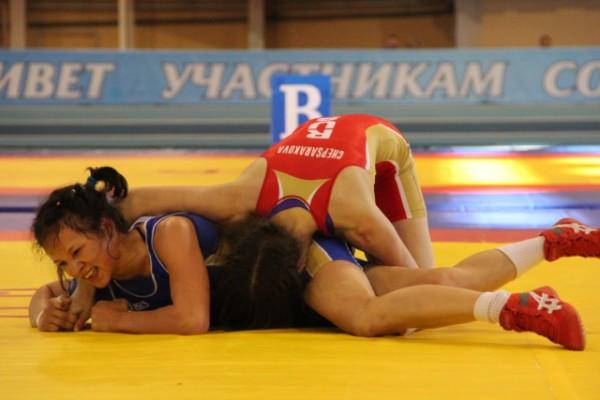 Спортсменки Чувашии стали лидерами первенства России по вольной борьбе
