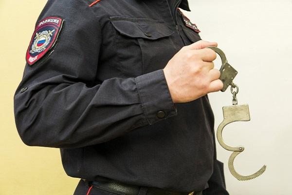 ВЧебоксарах инспектор ППС сломал руку задержанному