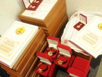 Глава Чувашии наградил организаторов и участников Спортивного форума часами и дипломами