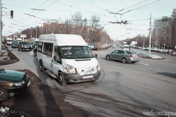 Ежедневно на дороги Чебоксар выезжает до пятисот маршрутных такси По данным городской администрации за прошлый год...